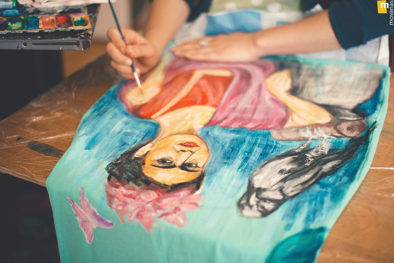 Painting Frida on a Dress